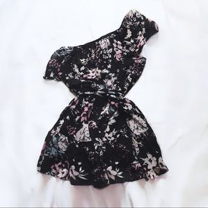 yumi kim ⋆ one shoulder ruffle dress